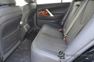 Перетяжка салона Toyota Camry натуральной кожей