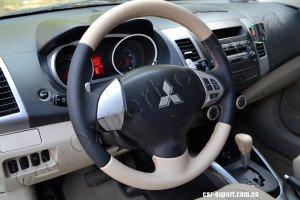 Перетяжка руля кожей Mitsubishi Outlander XL