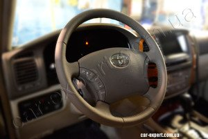Toyota Land Cruiser кожаная оплетка на руль
