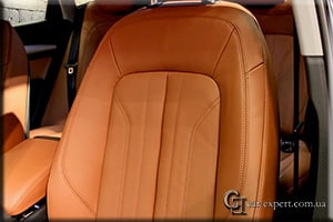 Перетяжка салона Audi Q5 кожей