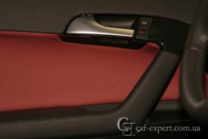 Перетяжка дверных карт кожей Audi A3