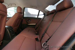 Перетяжка салона кожей. BMW E90