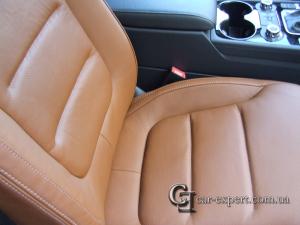 Перетяжка салона коричневой кожей Перетяжка сидений кожей Volkswagen Touareg