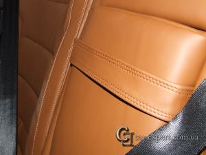 Перетяжка сидений натуральной кожей Перетяжка дверных карт кожей Volkswagen Touareg