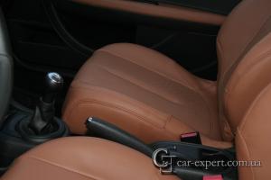 Перетяжка сидений кожей Citroen C4