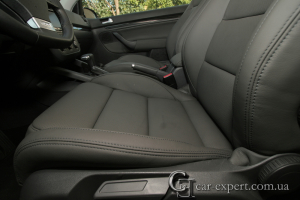 Перетяжка салона кожей Volkswagen Golf V
