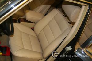 Перетяжка салона бежевой кожей Mercedes w126