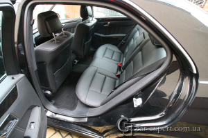 Перетяжка сидений и дверных карт кожей mercedes w212